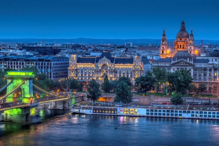 Budapest St Stephens Basilica and Danube Chain Bridge wallpaper