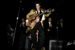 Elvis Presley 1956 Background for Android, iPhone and iPad
