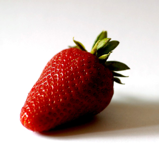 Strawberry 3D Wallpaper - Obrázkek zdarma pro iPad mini 2