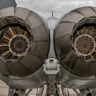 Military Fighter Engines - Obrázkek zdarma pro iPad Air
