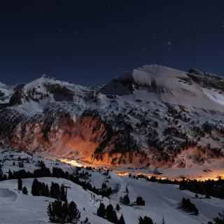 Snowy Mountains Sky Resort - Obrázkek zdarma pro 2048x2048