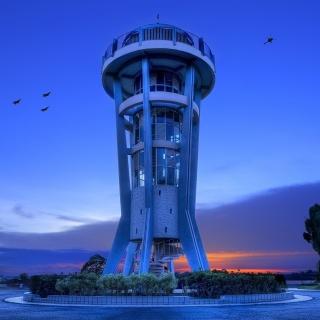 Hi Tech Tower - Obrázkek zdarma pro iPad Air