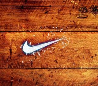 Wooden Nike Logo - Obrázkek zdarma pro iPad