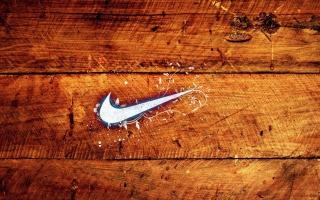 Wooden Nike Logo - Obrázkek zdarma pro 800x600