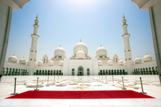 Free Abu Dhabi Picture for Android, iPhone and iPad