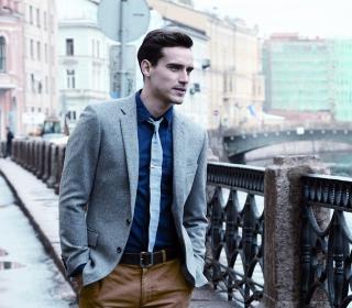Well Dressed Male Model - Obrázkek zdarma pro iPad Air