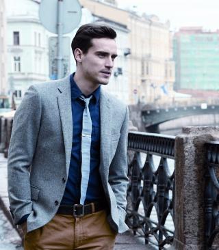 Well Dressed Male Model - Obrázkek zdarma pro 240x320