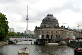 Berlin Attractions Background for Android, iPhone and iPad