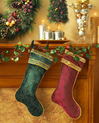 Christmas stocking on fireplace - Obrázkek zdarma pro iPhone 5C
