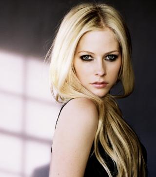 Cute Blonde Avril Lavigne - Obrázkek zdarma pro Nokia Asha 202