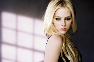 Cute Blonde Avril Lavigne - Obrázkek zdarma pro LG Optimus M