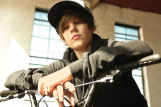 Justin Bieber - Obrázkek zdarma pro 480x320