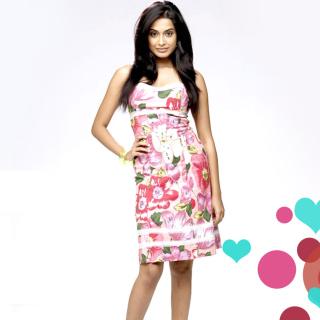 Sarah Jane Dias Indian Host - Obrázkek zdarma pro 2048x2048