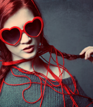 Girl In Love - Obrázkek zdarma pro Nokia Asha 310