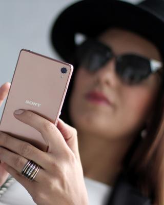 Sony Xperia Z3 Selfie - Obrázkek zdarma pro Nokia Lumia 920T
