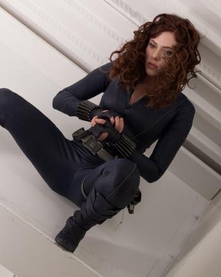 Scarlett Johansson as Black Widow - Obrázkek zdarma pro Nokia Asha 306