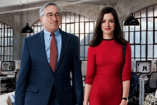 The Intern, Robert De Niro and Anne Hathaway sfondi gratuiti per cellulari Android, iPhone, iPad e desktop