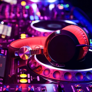 DJ Equipment in nightclub - Obrázkek zdarma pro 320x320