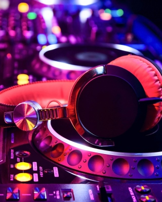 DJ Equipment in nightclub - Obrázkek zdarma pro Nokia C3-01