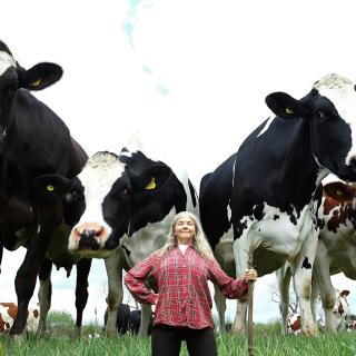 Woman farmer - Obrázkek zdarma pro 128x128