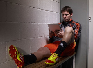 Messi Before Match Picture for Android, iPhone and iPad