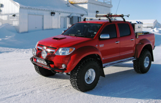 Free Top Gear Toyota Hilux Picture for Android, iPhone and iPad