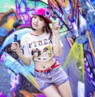 Cute Asian Graffiti Artist Girl - Obrázkek zdarma pro iPad