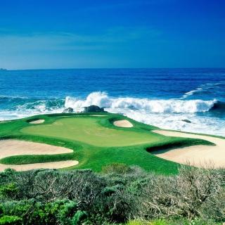 Golf Field By Sea - Obrázkek zdarma pro iPad mini 2