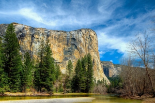 Yosemite National Park in Sierra Nevada Background for Android, iPhone and iPad