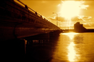Free Sunlit Bridge Picture for Android, iPhone and iPad