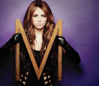 Miley Cyrus Long Hair - Obrázkek zdarma pro iPad Air