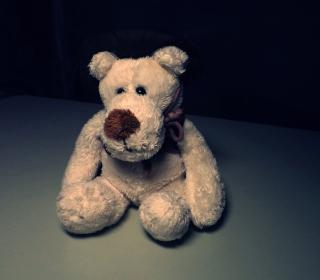 Sad Teddy Bear Sitting Alone - Obrázkek zdarma pro 1024x1024