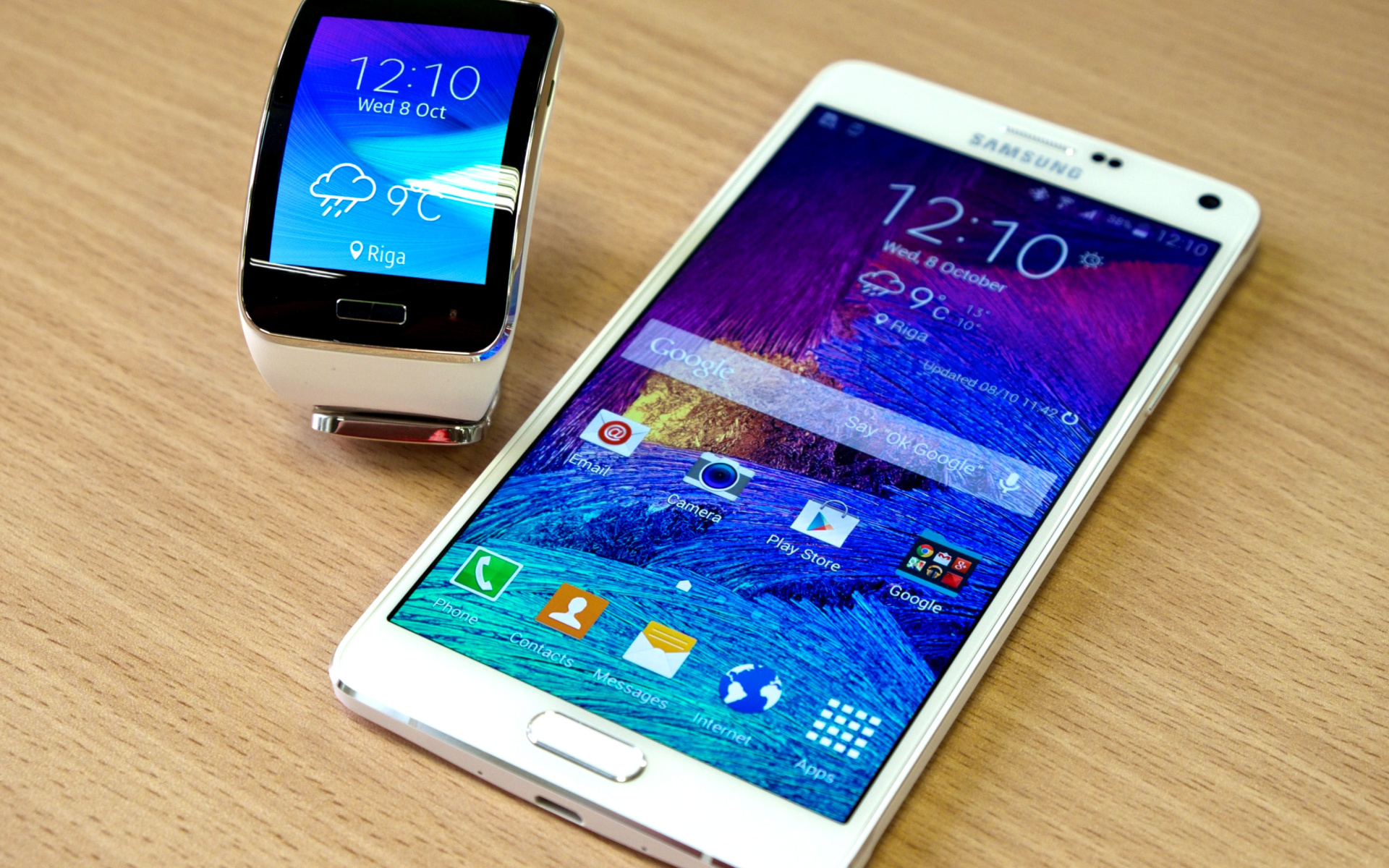Samsung Galaxy And Samsung Gear S Smartwatch Wallpaper For