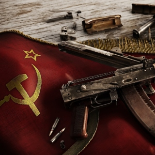 USSR Flag and AK 47 Kalashnikov rifle - Obrázkek zdarma pro 2048x2048