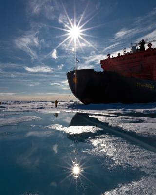 Icebreaker in Greenland - Obrázkek zdarma pro 360x480