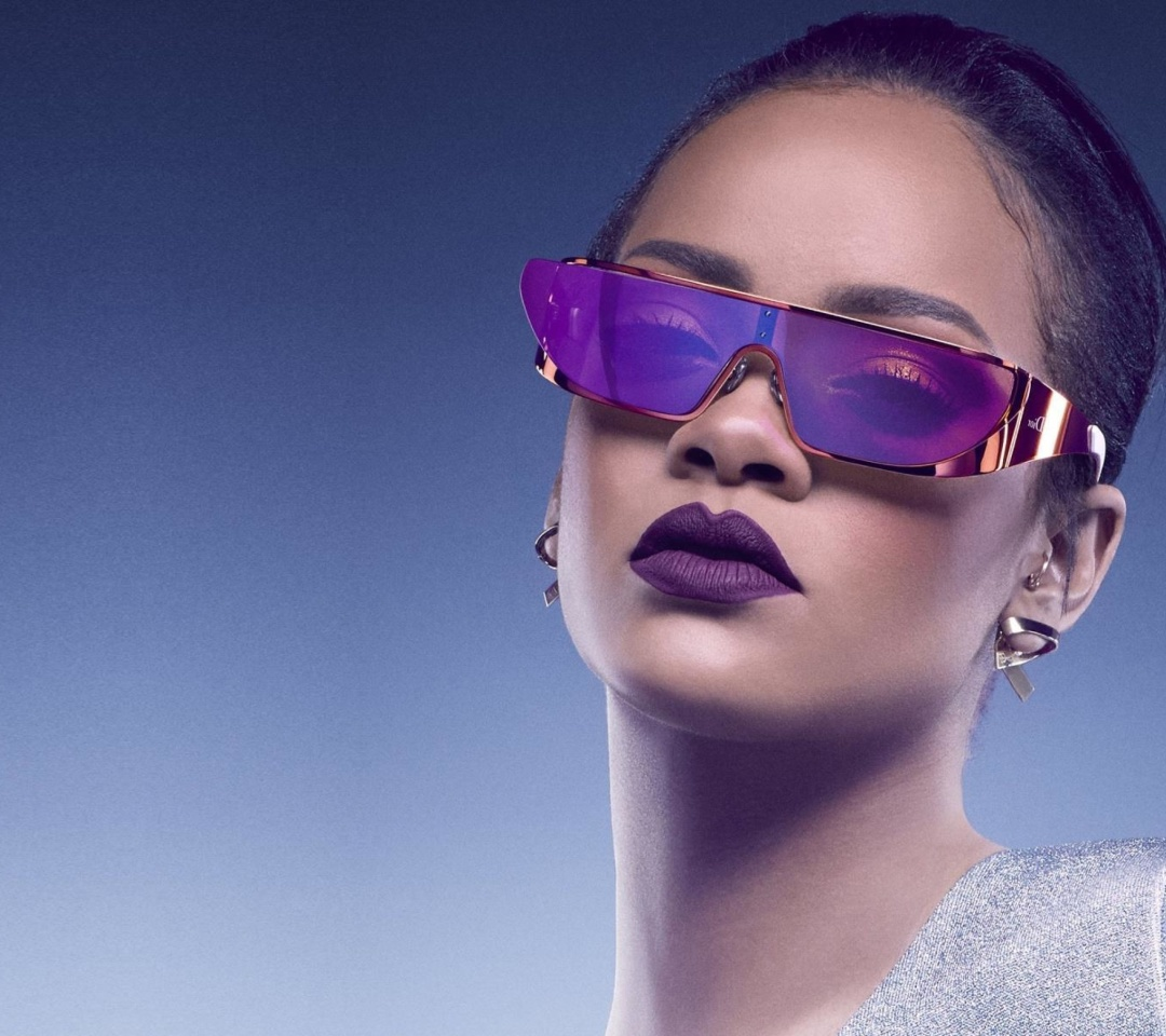 Screenshot №1 pro téma Rihanna in Dior Sunglasses 1080x960