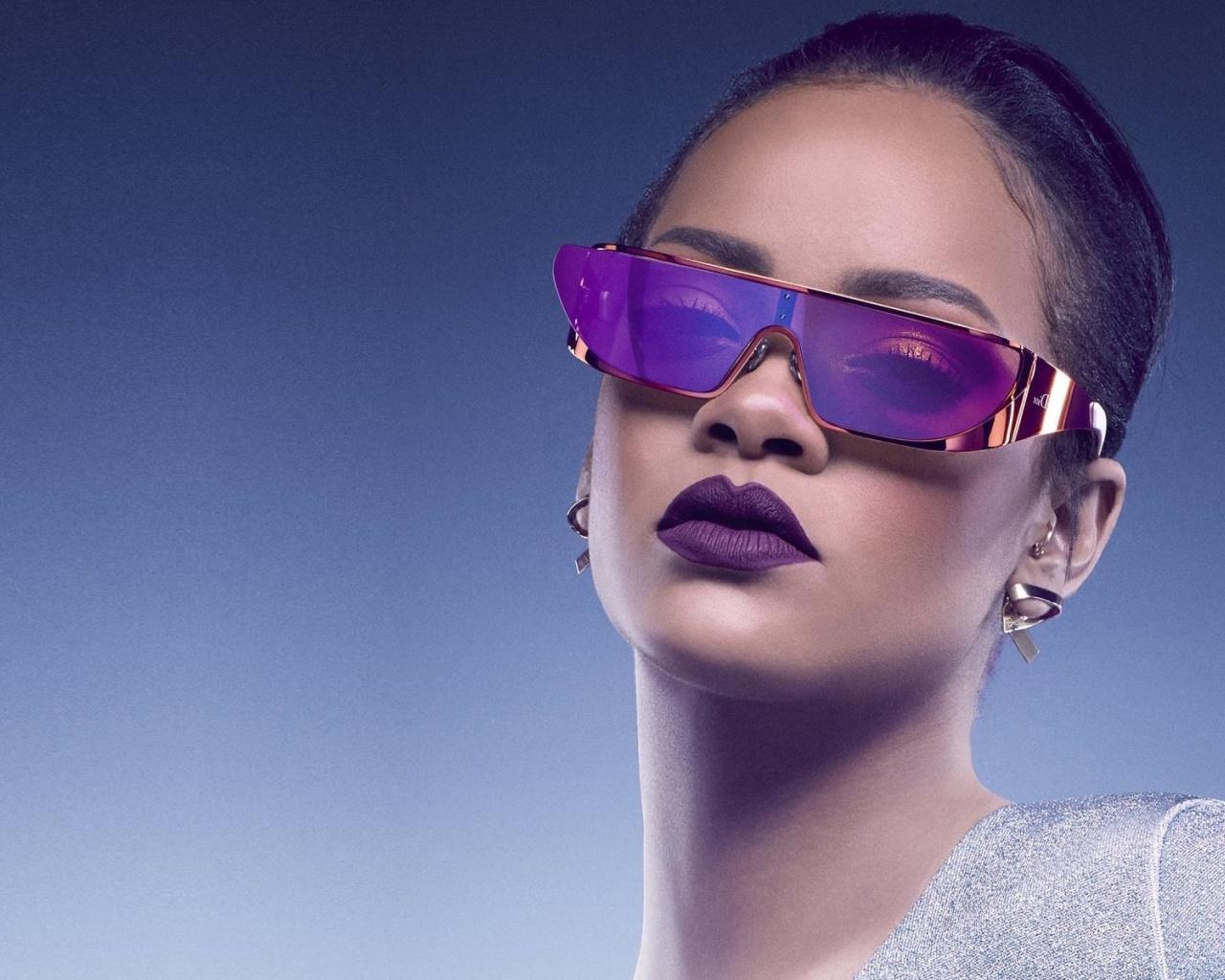 Screenshot №1 pro téma Rihanna in Dior Sunglasses 1280x1024