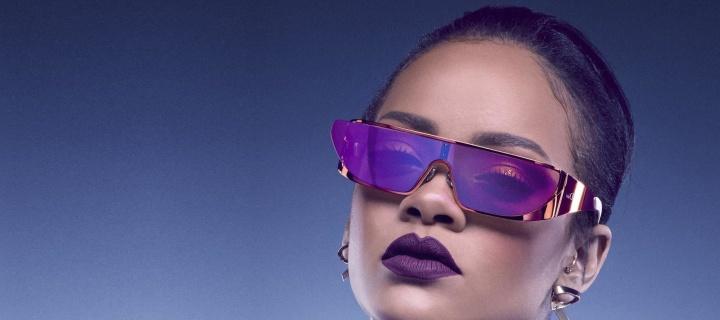 Screenshot №1 pro téma Rihanna in Dior Sunglasses 720x320