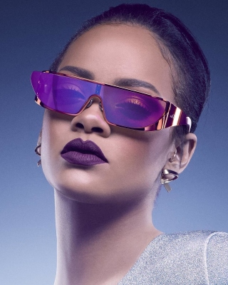 Rihanna in Dior Sunglasses - Obrázkek zdarma pro 132x176