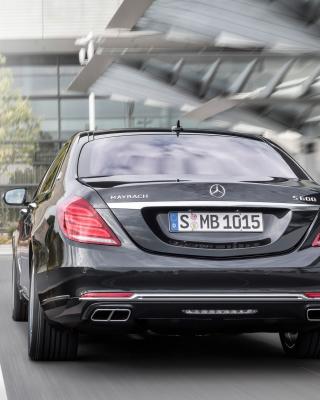 S600 Mercedes Maybach Sedan - Obrázkek zdarma pro 750x1334