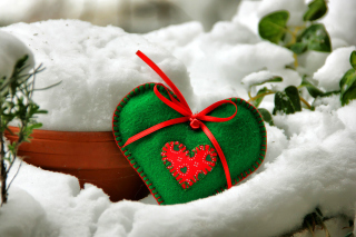 Heart on the Snow Wallpaper for Nokia Asha 200