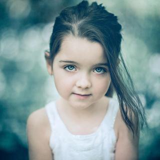 Little Pretty Girl - Obrázkek zdarma pro iPad