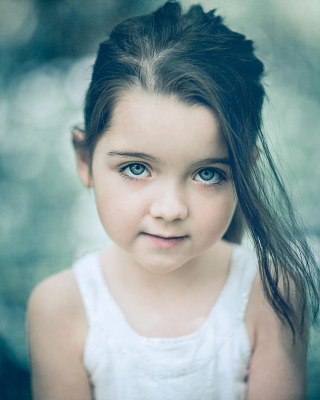 Little Pretty Girl - Obrázkek zdarma pro Nokia Asha 502
