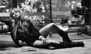 Free Hot Jennifer Lawrence Black And White Picture for Android, iPhone and iPad
