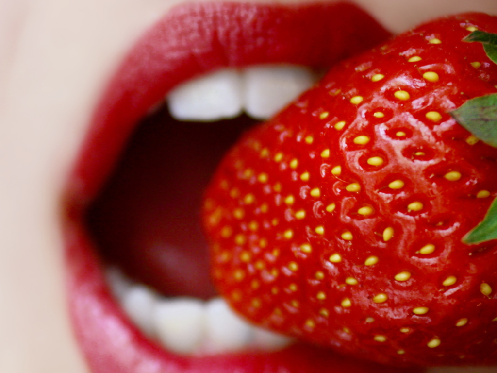 Screenshot №1 pro téma Tasty Strawberry 1024x768