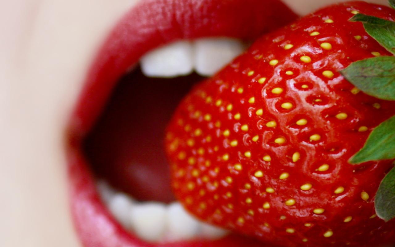 Screenshot №1 pro téma Tasty Strawberry 1280x800