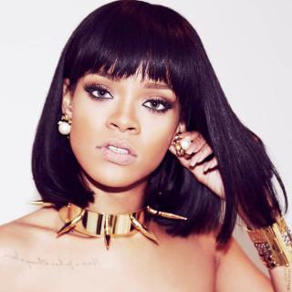 Beautiful Rihanna - Obrázkek zdarma pro iPad 2
