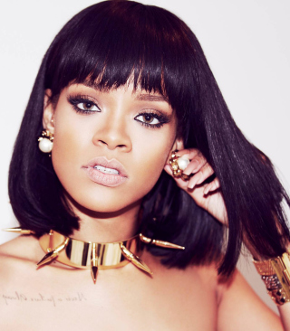 Beautiful Rihanna - Obrázkek zdarma pro Nokia 5233
