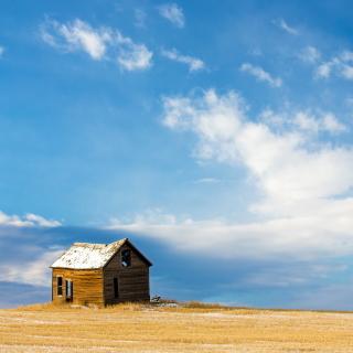 Left House Under Blue Sky - Obrázkek zdarma pro iPad Air