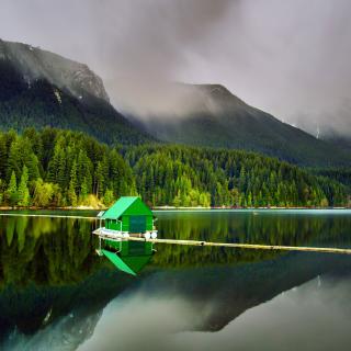 Capilano Lake in North Vancouver - Obrázkek zdarma pro 208x208